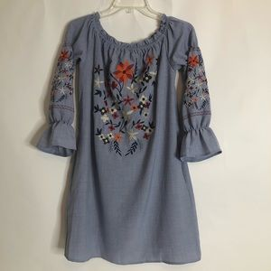 LISTICLE  Boho Embroidered Tunic Dress Size Small